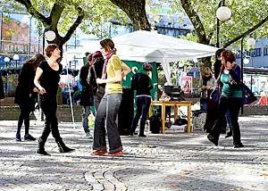 ©2007 Johan Gullberg knytpunkt.se Dans mot rasism